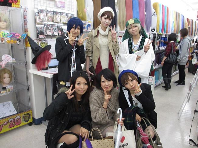 http://ikebukuro.anihiro.jp/IMG_0162s.jpg